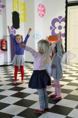 Plesna delavnica za otroke / Dance workshop for children
